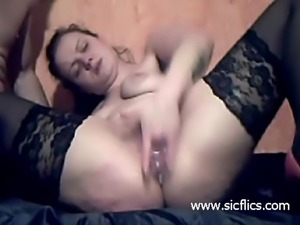 Amateur slut brutally fist fucked in her loose pussy