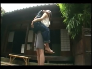 Tall hottie lifts a guy and mak ... free