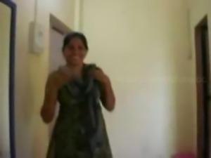Indian hourse wife and devar enjoy in hotel