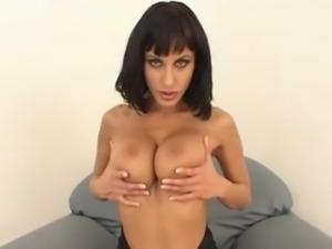 Goth chick Veronica Vanoza hard ... free