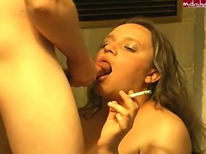 Amateur Slut Smokes And gets A Wet Facial