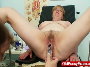 Mature gyno patient Jidra pussy exam with speculum at gyno clinic