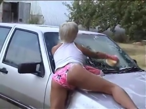 Joanne Washes Cars For Free
