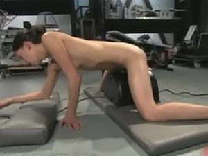 Amateur fucks the Sybian until she can take no more