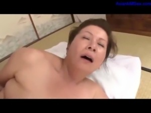 Fat Mature Woman Getting Her Ha ... free