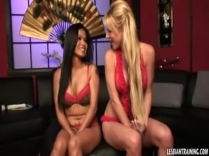 Two nympho beauties suck and fuck each other with fingers and strapons