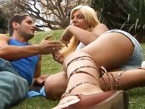 Hot blonde tranny