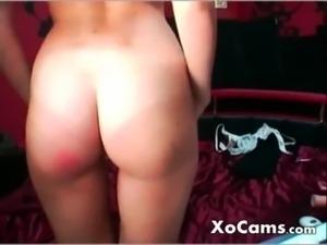 Russian cam girl slapped her ass free