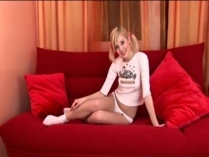 Teen Babe Peris Couch free