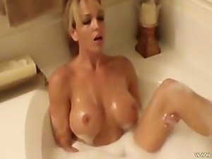 Gorgeous And Hot Bath Time