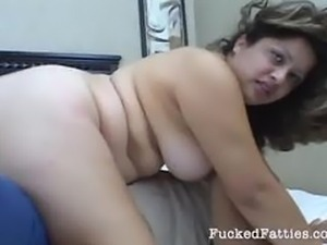 Chubby girl gets her hairy pussy dicked