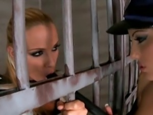Dirty lesbian cop cindy hope plays with prison inmate