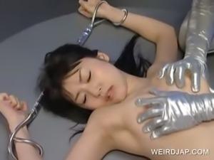 Asian slave tongue kisses alien