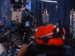 Cassandra Peterson - Elvira Mistress Of The D