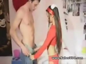 Ninfetinha de 18 anos dando a bucetinha - www.tvbuceta.com free