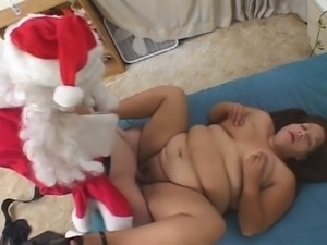 Fat mom nailed by horny santa