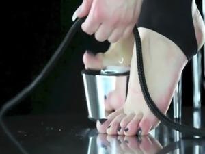 BEST FEET SLAVERY EVER – eat your mistress feet, free