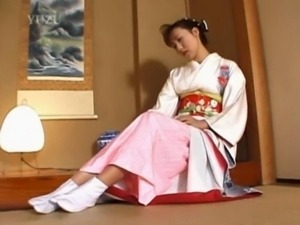 Japanese geisha pleasuring pink ... free