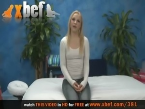 Alyssa comes to pussy massage free