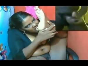 Dutch ebony foot slut lick her own feet