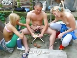 Double garden handjob from my princesses