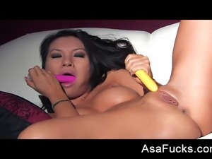 Glammed up Asa Akira DPs herself with two toys