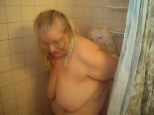 HAVING FUN IN THE SHOWER WITH MY DOLL