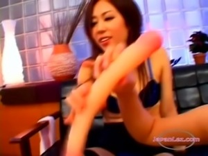 2 Asian Girls Fucking Their Hairy Pussies With Doubledildo 3rd Girl Sucking...
