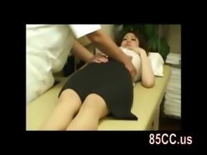 amateur OL seduced by masseur