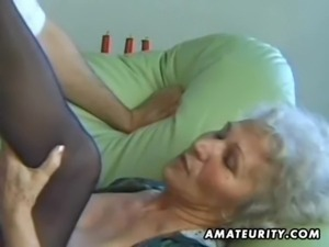 Old amateur mature wife sucks and fucks with cumshot free