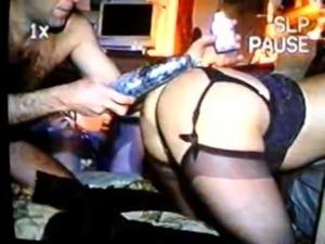 video-2011-10-14-04-14-24 Follada y espectadores le llenan condones free