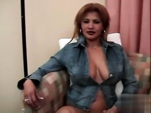 Dolly Colombiana Tetona