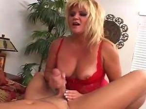 MILF hottie 23