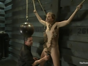 chastity lynn gets some pleasure and strange pain