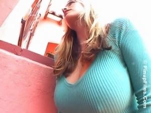 huge boobs milf shows her best