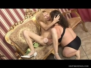 blonde mom making lesbian love with a mature midget