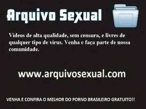 Puta lisinha dando a xoxota e o cuzinho 9 - www.arquivosexual.com free