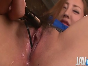 Erena Aihara has her sweet pussy toyed