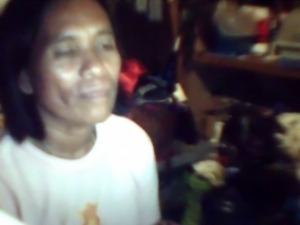 51 YEAR OLD FILIPINA MOM RHODORA LEPITEN RUBS HER PUSSY