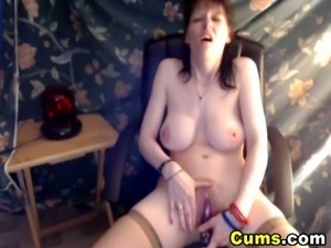 Big tit mature toying on webcam