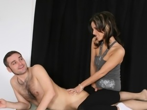 Pamela Kayne massages him in exchange for good sex