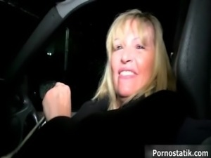 Horny mature mom in sexy lingerie goes free