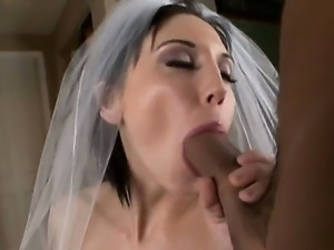 The sympathetic brunette Mindy Main makes a deep blowjob to her husband after...