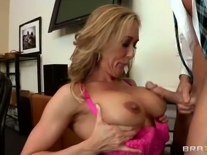 Lady boss Brandi Love is dislikes by her employees. But