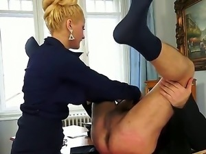 Blonde slut Chary Kiss likes to please her boss with impressive deepthroat...