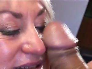 Blonde granny with fresh big melons Dana Hayes shows Jay Huntington her horny...