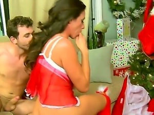 Ariella Ferrera,James Deen and Tommy Gunn are having a great threesome