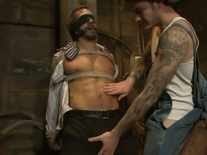 Kinky tattooed gay gives pain and pleasure