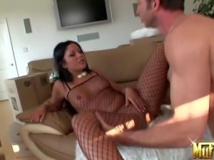 Angelica Heart is a pretty brunette that loves oral sex.