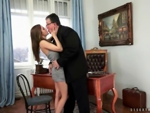 Young secretary fucking her old boss